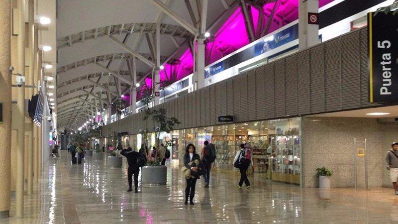 Boletos de autobus a ciudad de m xico aeropuerto benito for Puerta 6 aeropuerto ciudad mexico